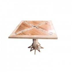 Table en bois avec lichtenberg