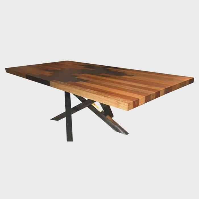table basse bois et résine pied mikado métal