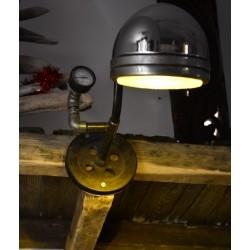 Lampe recyclé phare